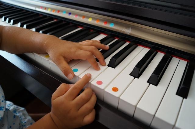 ヤマハ音楽教室。ピアノにする?エレクトーンにする?