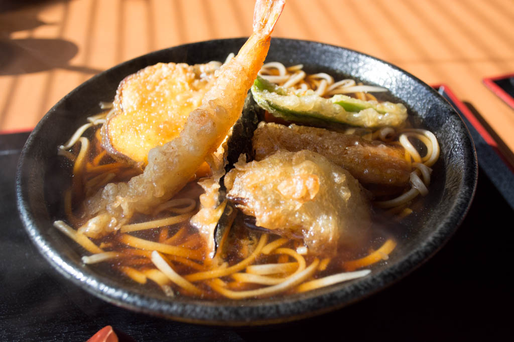 常陸太田「旬」の十割蕎麦 温かい天ぷら蕎麦です