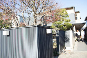 井中さんのお庭。ここは入口ではありません。