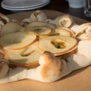 りんごとスイートポテトのデザートピッツァ