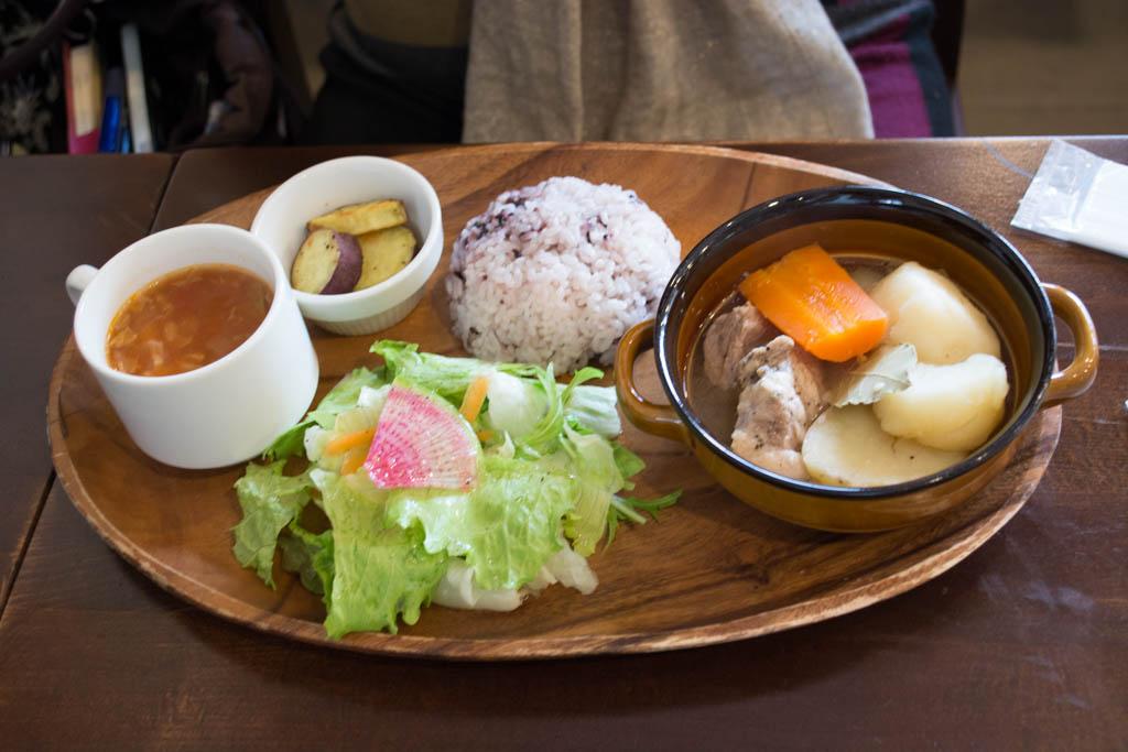 豚肉と根菜のオーブン煮