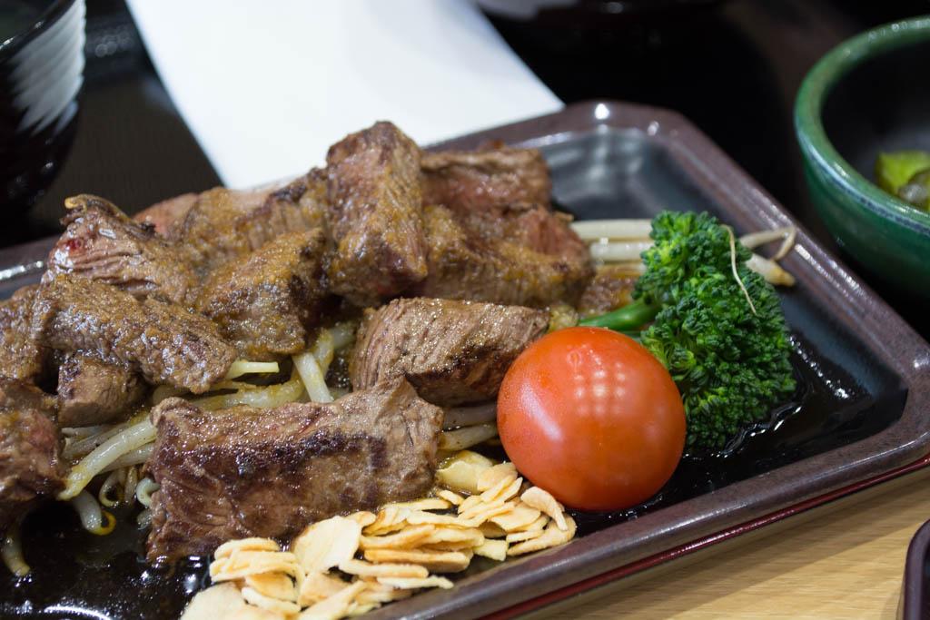 瑞穂牛サイコロステーキ定食(980円)