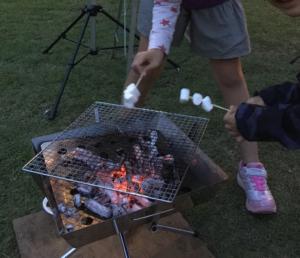 BBQでマシュマロ焼き