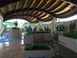 屋内温泉プール